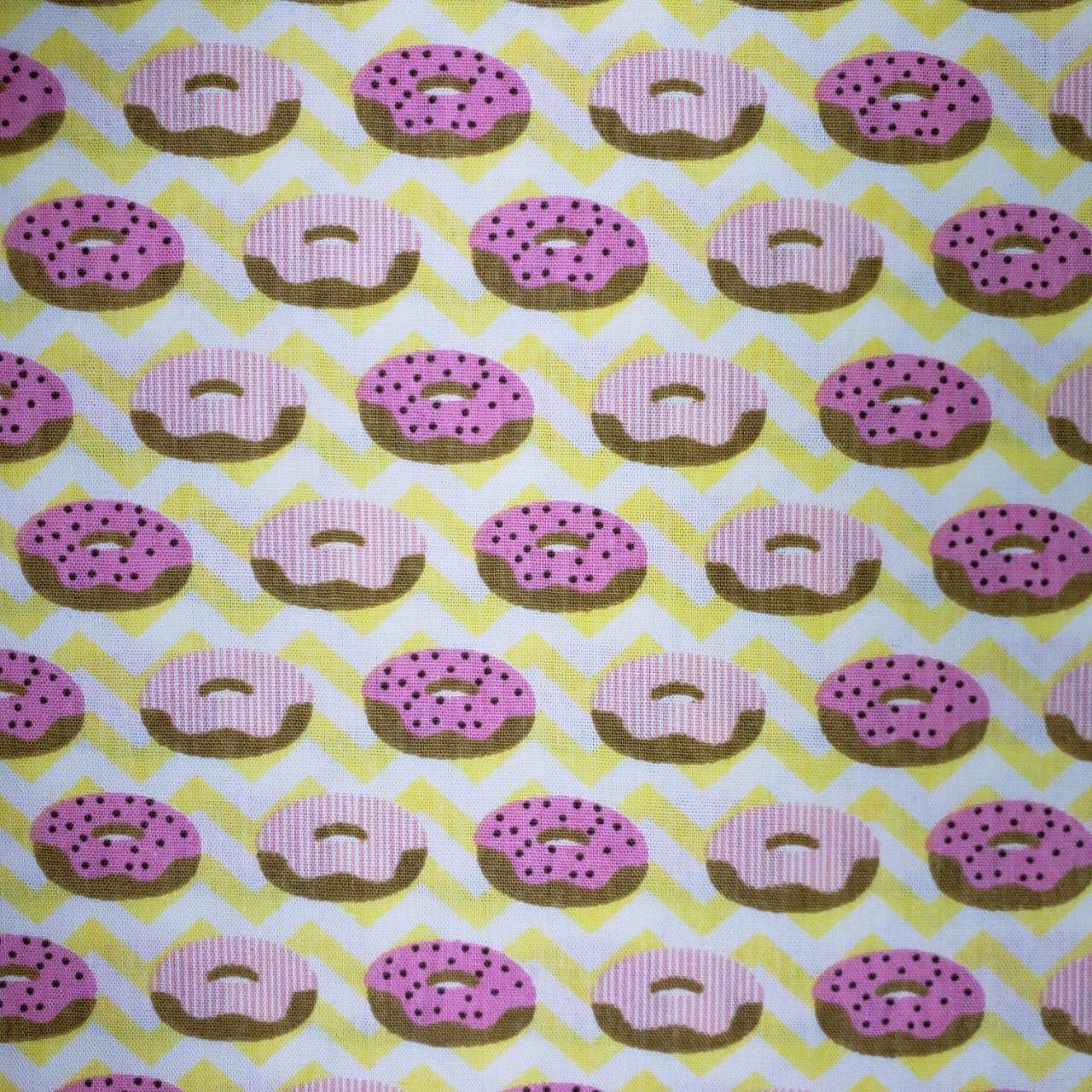 Tecido Tricoline Donuts com Chevron